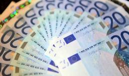 Euro sliding further