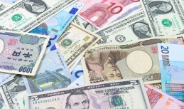 Global developments affect major currencies
