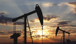 Oil prices maintain dynamic balance despite heavy pressure