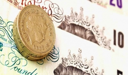 Sterling benefits from fading away hard Brexit scenario
