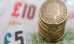 Sterling keeps plunging on Tuesday