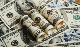 US dollar still on downward track with investors unwilling to risk on Cohn's leaving