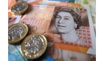 Election race pushes pound sterling to bottom