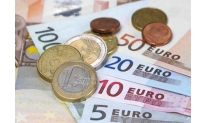 Italian budget concerns put pressure on euro