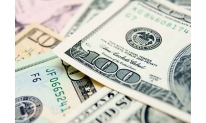 US dollar at bottom amid investors' worries