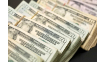 US dollar down on Monday, market awaits statement of Federal Reserve Chairman