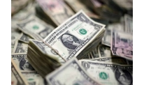 US dollar fluctuates on US labour report