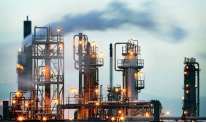 Weak rise in oil prices against the background of crisis